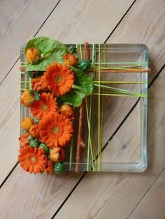 Tips On Sending The Perfect Arrangement Of Flowers – Ideas For Great Gardens Creative Flower Arrangements, Ikebana Flower Arrangement, Floral Arrangements, Deco Floral, Arte Floral, Floral Centerpieces, Table Centerpieces, Flower Show, Flower Art