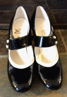 Check out this item in my Etsy shop https://www.etsy.com/listing/220945422/rare-vintage-antique-estate-valley-shoes