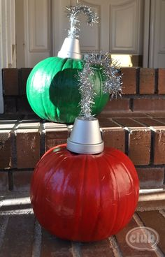 Paint your Halloween pumpkins and use a mini silver painted flower pot and silver wire tinsel for ornament outdoor decorations! Ours would rot but this does give me some other ideas. Christmas Pumpkins, Christmas Projects, Winter Christmas, Holiday Crafts, Holiday Fun, Christmas Holidays, Christmas Ideas, Halloween Pumpkins, Holiday Ideas