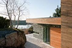 Architecture, Modern Minimalist Lake House Design With Stone Wall Panels And Wood Cladding Ideas: The Warm and Comfortable Modern Cabin in Bjergøy, Norway Rustic Exterior, Modern Exterior, Exterior Design, Shelter Design, Cool Landscapes, Modern Country, Scandinavian Modern, House In The Woods, Logs