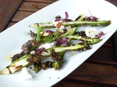 Asparagus and goats cheese