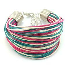 Bransoletka na bawełnianym, kolorowym sznurku jubilerskim ( szmaragdowym, różowym i beżowym ) w minimalistycznym stylu. Bangles, Bracelets, Lens, Metal, Jewelry, Fashion, Moda, Jewlery, Jewerly