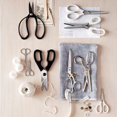What's the Difference Between All-Purpose Scissors and Fabric Shears? Sewing Art, Sewing Tools, Sewing Hacks, Sewing Projects, Craft Projects, Sewing Patterns, Sewing Lessons, Hat Patterns, Craft Ideas