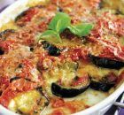Bring together a chunky veggie sauce and spaghetti for our Eggplant Pasta with Mozzarella. Mozzarella and basil make this eggplant pasta memorable. Baked Eggplant, Eggplant Recipes, Eggplant Parmesan, Healthy Eggplant, Kraft Recipes, Mozzarella, Ground Turkey Casserole, Cooking Recipes, Healthy Recipes