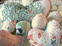 How to Make Patchwork Valentine Pillows