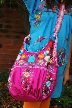Purple with Multi colored hand Embroidered Huipil Boho Travel tote Mexican Fashion, Mexican Outfit, Mexican Dresses, Korean Fashion, Mexican Embroidery, Folk Embroidery, Vintage Embroidery, Bohemian Mode, Boho Chic
