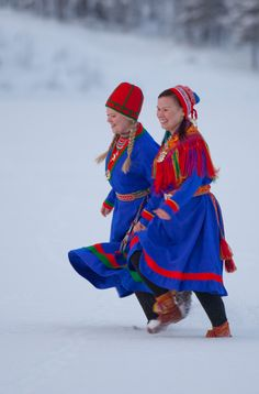 Sami women in snowy Finland wearing traditional blue coats Pop Culture Halloween Costume, Creative Halloween Costumes, Folk Costume, We Are The World, People Around The World, Folklore, Art Populaire, Side Sleeper Pillow, Pink One Piece
