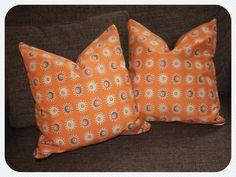 Retro Kissen aus unserem Biostoffangebot / Retro cushions from our range of organic fabric jetzt auf Coomow http://www.coomow.de/biostoffe/biostoff-orange-retro/