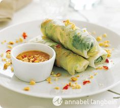 Annabel Langbein Prawn Salad Rolls with Peanut Dipping Sauce Recipe Asian Recipes, Healthy Recipes, Easy Recipes, Vietnamese Recipes, Seafood Recipes, Appetizer Recipes, Dessert Recipes, Food Network Recipes, Cooking Recipes