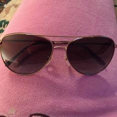 a7791497807 Authentic Burberry BE3072 aviator Sunglasses Authentic Burberry aviator  sunglasses! Basically new