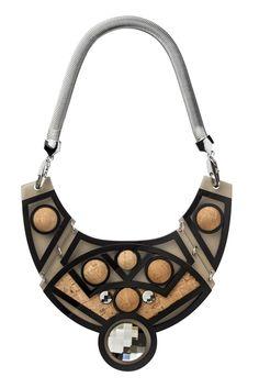 www.cewax.fr aime les bijoux ethno tendance Bijoux ethniques et style tribal. Retrouvez tous les articles sur la mode afro sur le blog de CéWax: cewax.wordpress.com/ Holly Fulton RTW Spring 2014 [Photo by AC Cooper N&P LTD]