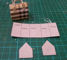 Las Margaritas: Tutorial - Bolso y billetera *Making miniature purses*