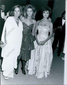 CA80 1985 Emma Samms Catherine Oxenberg & Pamela Belwood Carousel Ball Photo