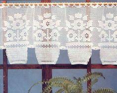 Filet Crochet, Crochet Art, Thread Crochet, Crochet Doilies, Crochet Flowers, Crochet Curtain Pattern, Crochet Curtains, Curtain Patterns, Lace Curtains