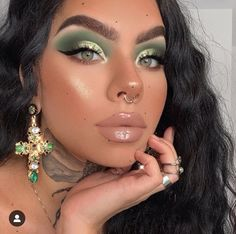 Whenever you do eye makeup, make your eyes look brighter. Your eye make-up should make your eyes stick out amongst the other functions of your face. Glam Makeup, Flawless Makeup, Cute Makeup, Gorgeous Makeup, Pretty Makeup, Skin Makeup, Makeup Looks, Makeup Geek, Makeup Art