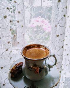 Espresso Coffee, Coffee Love, Coffee Break, Iced Coffee, Coffee Drinks, Morning Coffee, Aeropress Coffee, Fresh Roasted Coffee, Pause Café
