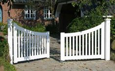 driveway gate ...we might be able to build this with the kreg pocket hole jig.