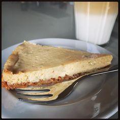 Eenmaal thuis krijg ik... zelfgemaakte Lime Pie met een koffie verkeerd. Als lunch. ;-)