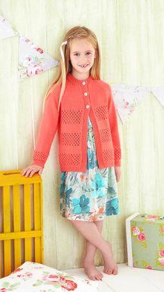 Lasten neuletakki pitsiraidoilla   Meillä kotona Lily Pulitzer, Apron, Summer Dresses, Knitting, Style, Fashion, Swag, Moda, Summer Sundresses
