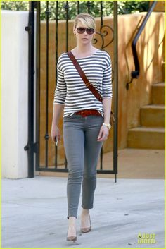 Katherine Heigl stripes it up while doing some house hunting with her momager Nancy on Saturday (February 22) in Los Angeles.
