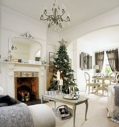 minimal tree decor idea - show off the green