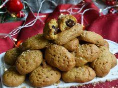 Μελομακάρονα με γέμιση σοκολάτα Cookies, Desserts, Food, Christmas, Crack Crackers, Tailgate Desserts, Xmas, Deserts, Biscuits