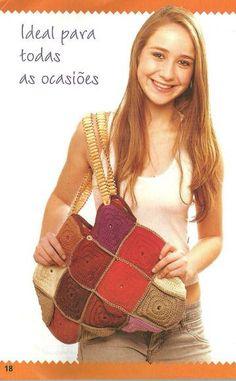 Bolsa de crochê confeccionada artesanalmente em linha Camila Fashion, 100% algodão mercerizado. Forrada em tecido 100% de algodão. Costura reforçada. Divisões internas.  Alça de miçanga de madeira e fio encerado. PEÇA PUBLICADA NA REVISTA ARTE & CIA - BOLSAS DE CROCHÊ - EDIÇÃO 5 DA EDITORA CASE. DESIGNER GLADYS CARNEIRO. PEÇA EXCLUSIVA SÓCROCHÊ!  Tratando-se de uma peça artesanal feita sob encomenda, a confecção será agendada de acordo com a nossa programação de produção, após a confirmação ...