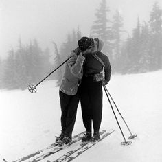 sweet couples shot on the slopes