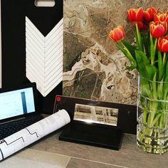 Thinking about wearing this backslash tile around my neck ! Just so precious #marble #design #studioeklektik #inspiration #designbytaniya #gatineau #designer #style #stylish #designermind #unique #modern #modernliving #trend #trendy #style #stylish #homedecor #homedesign #interiordesign by studiodesigneklektik http://discoverdmci.com