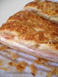 Hojaldre trenzado de jamón y queso con bechamel