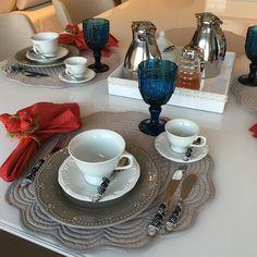 Café da tarde mode 🔛... Minha refeição favorita! - - #meseirasassumidas #mesapostacomamor #amoramesa #familyfirst #mesalovers #tablelovers #meseirasdobrasil #meseirasdesaopaulo #mesaposta #recebercomestilo #mesachic #muitoamorenvolvido  #homedecor #tabledecor #tableware #mesasdobrasil #mesasdesaopaulo #mesaerequinte #recebercomcharme #receberbem #tableset #homesweethome #lardocelar #instagood #love #photooftheday