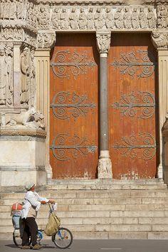Portail+de+Saint-Trophime,+Arles,+France
