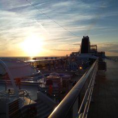 In mare con MSC Train, Instagram, Strollers