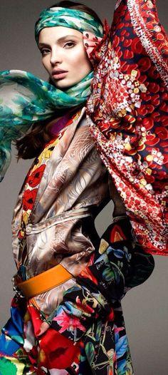 ef4d652f1479 134 mejores imágenes de Hermes   Scarves, Silk scarves y Hermes scarves