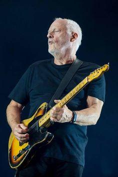 David Gilmour et Polly Samson :RATTLE CE VERROUILLAGE Event 29 •Vendredi 27 mai 2016, 19:00• Lieu: Tata Tente David Gilmour et Polly Samson Le guitariste et écrivain discutent de leur partenariat songwriting, le processus d'écriture entre le parolier et musicien. Ils ont collaboré à quatre n ° 1 albums: Pink Floyd The Division Bell et The Endless River, David Gilmour sur une île , et la récente Rattle Ce verrouillage . Hébergé par Rosie Boycott . Voir aussi l' événement 86.