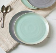 Two Mint Stoneware Organic Dessert Plates di SuiteOneStudio
