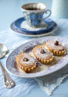Baileys-bebepiirakka | Reseptit | Kinuskikissa A Food, Food And Drink, Fika, Baileys, Irish Cream, No Bake Desserts, Yummy Cakes, Mocha, Doughnut