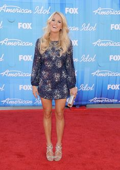 Carrie Underwood - 2011 or 2012 American Idol Red Carpet Carrie Underwood American Idol, Carrie Underwood Pictures, Badgley Mischka, Playing Dress Up, Star Fashion, Girl Crushes, Beautiful People, Pretty People, Carry On