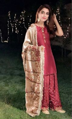 17 Times Maya Ali Officially Won Shaadi Season With Her Wardrobe Game Pakistani Fashion Party Wear, Pakistani Formal Dresses, Shadi Dresses, Pakistani Wedding Outfits, Pakistani Dress Design, Stylish Dresses, Simple Dresses, Fashion Dresses, Amazing Dresses