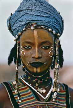 Wodaabe boy from Niger (by Steve McCurry)