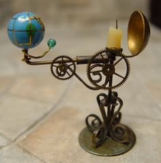 Reflector Orrery with Crystal Planet