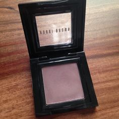 "Bobbi Brown eyeshadow in ""Heather"" A silky, powder eye shadow that glides on smoothly and blends easily. It's available in a range of shades for lids, lining eyes, and defining brows. Color: Heather 0.08 oz., only brushed on a few times, item sanitized with alcohol Bobbi Brown Makeup Eyeshadow"