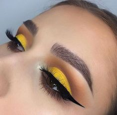 yellow eye makeup If you consider yourself to be a bold beauty aficionado, then perhaps youve peeped the latest vivid color to star front and center on lids. If not, heres a little secret: yellow eye makeup is having a major moment. Yellow Eye Makeup, Yellow Eyeshadow, Colorful Eye Makeup, Eyeshadow Looks, Eyeshadow Makeup, Eyeliner, Summer Eye Makeup, Makeup Brushes, Makeup Salon