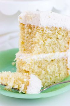 This cake is my absolute favorite vanilla bean cake. A scratch cake that is moist, full vanilla bean flavor, rich and buttery with a hint of almond flavor. French Vanilla Cake Recipe From Scratch, Best Vanilla Cake Recipe, Vanilla Bean Cakes, Cake Recipes From Scratch, Best Cake Recipes, Homemade Vanilla, Vanilla Buttercream, Homemade Breads, Cupcake Recipes