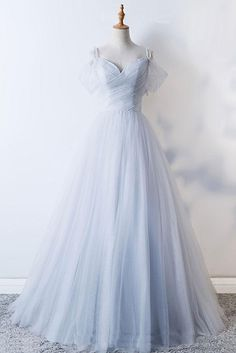 evening dresses 2018 Long Sleeve Gold Prom Dresses,Long Evening Dresses,Prom Dresses On Sale Want a glamorous red carpet look for a fraction of the price? This exquisite dress would be Grey Evening Dresses, Gold Prom Dresses, Prom Dresses For Sale, Elegant Dresses, Pretty Dresses, Beautiful Dresses, Bridesmaid Dresses, Formal Dresses, Wedding Dresses