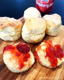 EASY Scone Recipe, Tefal Cuisine Companion Bread Recipes, Baking Recipes, Cake Recipes, Food Humor, Favorite Recipes, Eat, Cooking, Breakfast, Biscuits