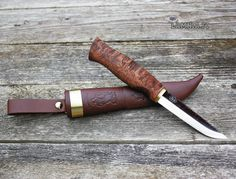 Ahti - Vaara. Fixed blade knife handmade in Finland. Sold by Ragweed Forge.