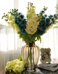10 Cheap Ideas For A Sophisticated Room - Jardim, plantas e vasos - Arranjos Home Flowers, Indoor Flowers, Fall Flowers, Exotic Flowers, Amazing Flowers, Artificial Flowers, Floral Centerpieces, Vases Decor, Beautiful Flower Arrangements