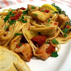 A lovely linguine with fresh tuna, sun dried tomatoes and artichokes. You can use tinned tuna but make sure it is good quality. Tuna Recipes, Seafood Recipes, Pasta Recipes, Recipe Pasta, Seafood Linguine, Shrimp, Tuna Pasta, Artichoke Recipes, Artichoke Hearts