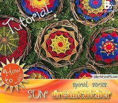 How to make a sun dreamcatcher – spiral series Making Dream Catchers, Dream Catcher Art, Large Dream Catcher, Color Crafts, Fun Crafts, Diy And Crafts, Clay Pot Crafts, Shell Crafts, Diy Dream Catcher Tutorial